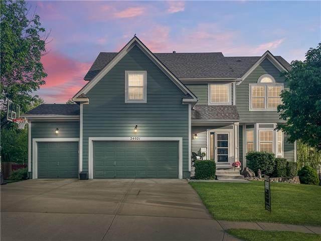 24021 W 80th Terrace, Lenexa, KS 66227 (#2322545) :: Five-Star Homes