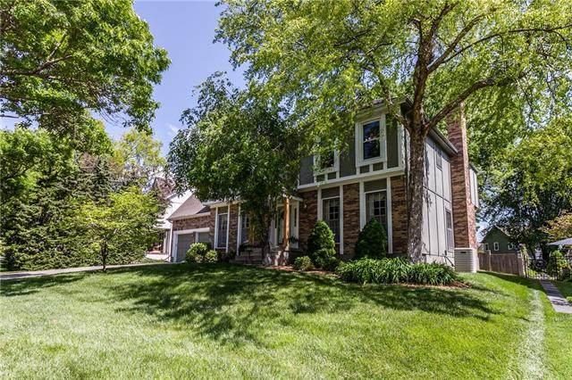 5040 W 130th Terrace, Leawood, KS 66209 (#2322569) :: Team Real Estate