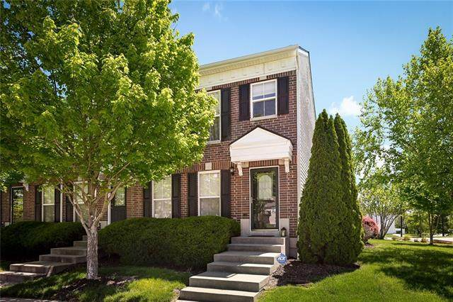 3440 SW Arborway Drive, Lee's Summit, MO 64082 (#2322616) :: Audra Heller and Associates