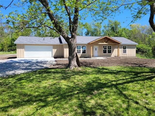 305 W Platte Road, Osborn, MO 64474 (#2322665) :: Austin Home Team