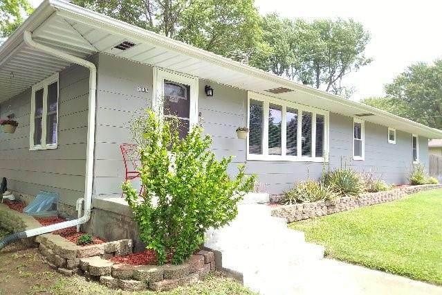 308 S 4th Street, Louisburg, KS 66053 (#2322728) :: ReeceNichols Realtors