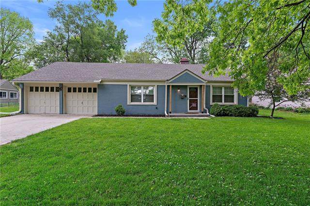 2216 W 76th Street, Prairie Village, KS 66208 (#2322852) :: Team Real Estate