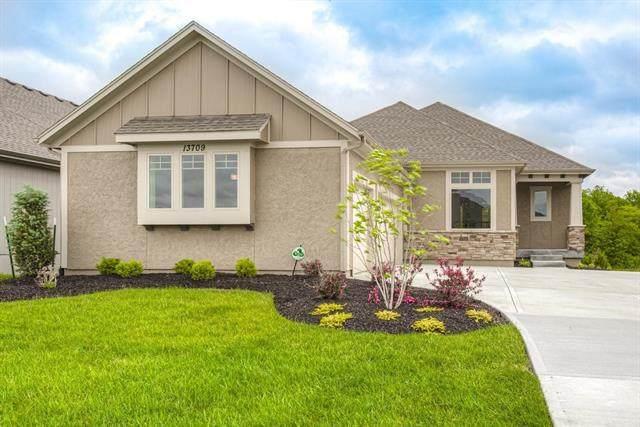 13709 Bentley Street, Overland Park, KS 66221 (#2323108) :: ReeceNichols Realtors