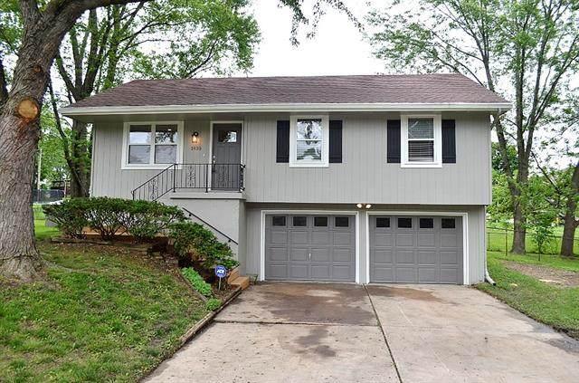 1435 Park Circle, Liberty, MO 64068 (#2323125) :: Dani Beyer Real Estate
