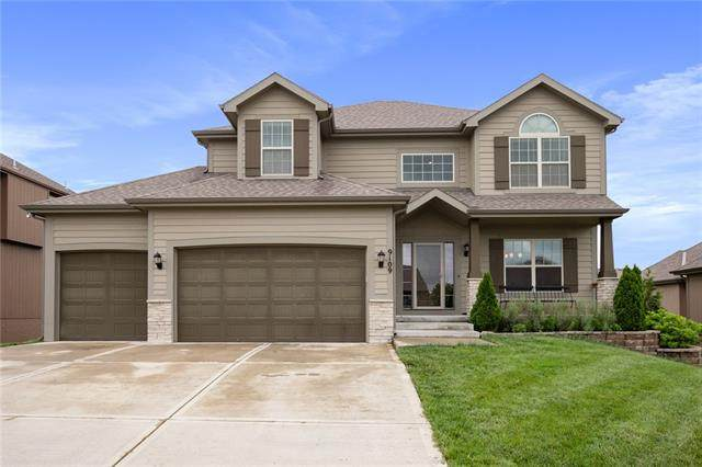 9109 N Myrtle Avenue, Kansas City, MO 64156 (#2323248) :: Dani Beyer Real Estate