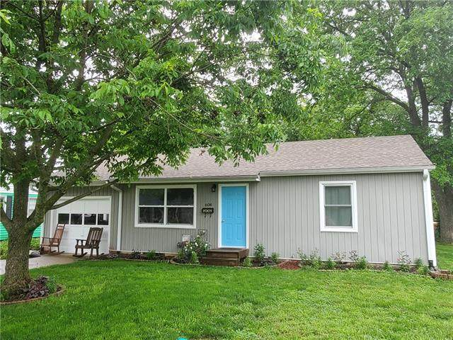 604 Hillcrest Drive, Knob Noster, MO 65336 (#2323260) :: Ask Cathy Marketing Group, LLC