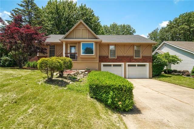 3718 NE Chapel Drive, Lee's Summit, MO 64064 (#2323454) :: Dani Beyer Real Estate