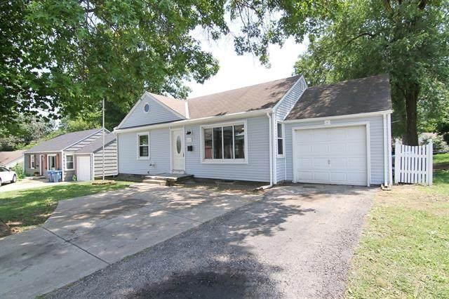 4717 W 75th Street, Prairie Village, KS 66208 (#2323467) :: Edie Waters Network