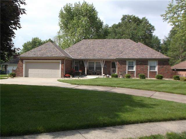 1103 Blueberry Drive, Harrisonville, MO 64701 (#2323485) :: The Kedish Group at Keller Williams Realty