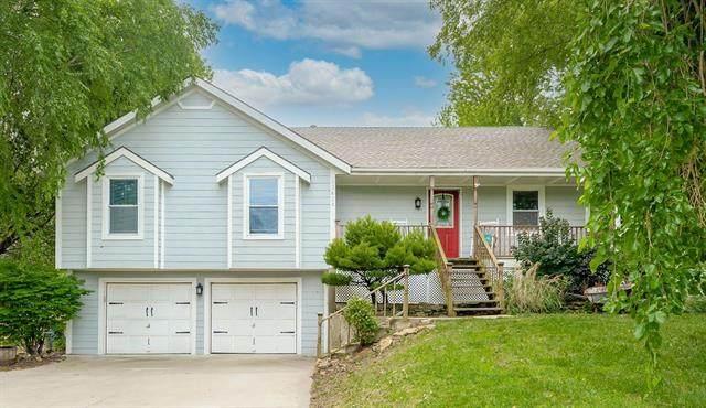 12423 Donahoo Road, Kansas City, KS 66109 (#2323505) :: Dani Beyer Real Estate