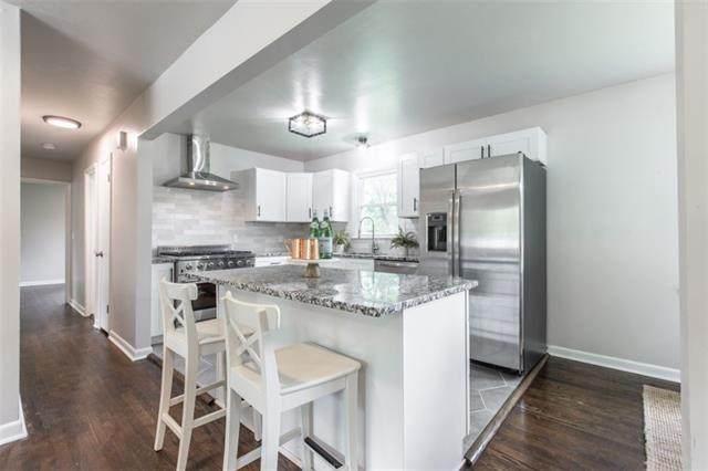 1205 NE 66th Street, Gladstone, MO 64118 (#2323510) :: Dani Beyer Real Estate