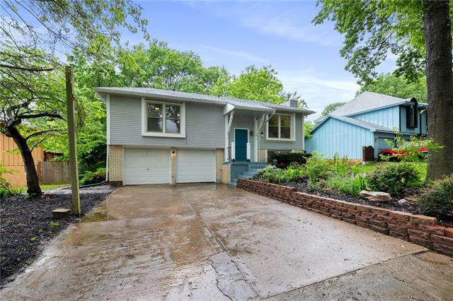 11924 Manchester Avenue, Grandview, MO 64030 (#2323583) :: Ask Cathy Marketing Group, LLC
