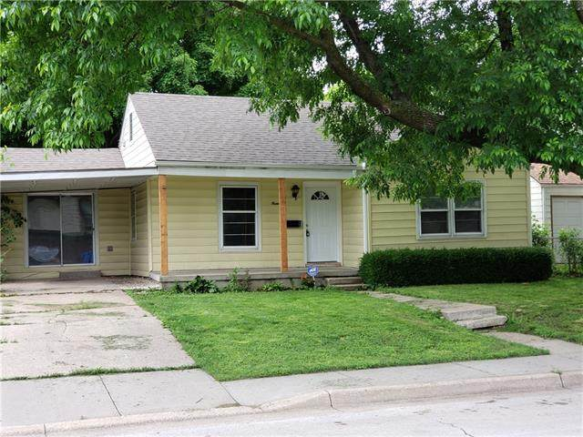 1440 E 21st Avenue, North Kansas City, MO 64116 (#2323626) :: Ask Cathy Marketing Group, LLC
