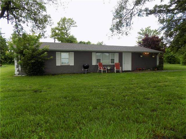 20402 S Pryor Road, Pleasant Hill, MO 64080 (#2323679) :: Audra Heller and Associates