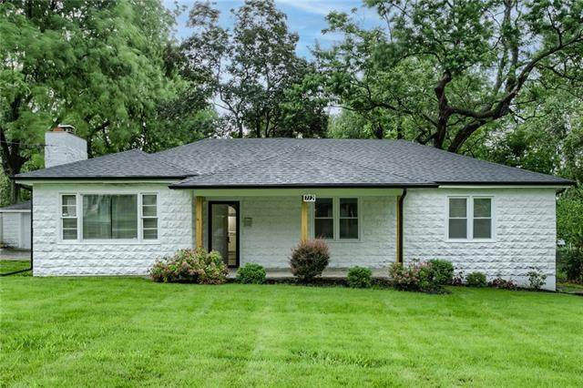 712 E Gudgell Street, Independence, MO 64055 (#2323897) :: Dani Beyer Real Estate