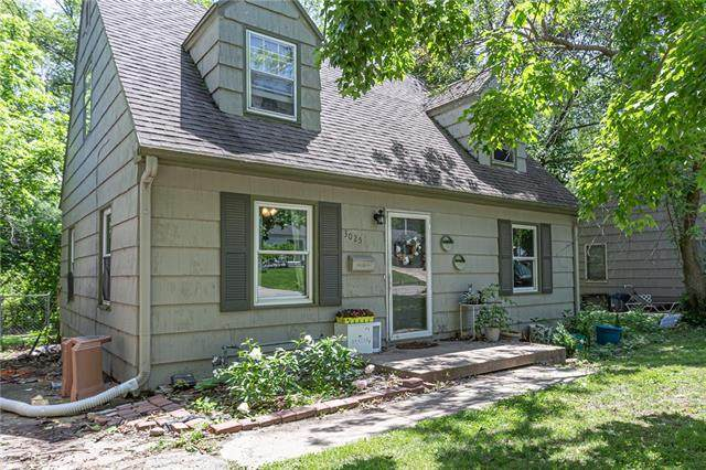 3025 S Norwood Avenue, Independence, MO 64052 (#2323987) :: Five-Star Homes
