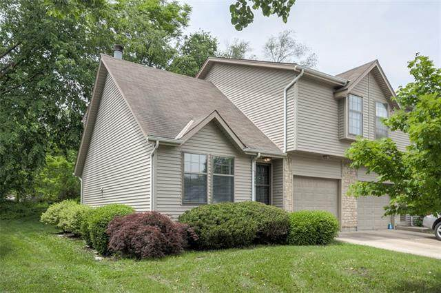 14946 Glenwood Street, Overland Park, KS 66223 (#2324027) :: Dani Beyer Real Estate