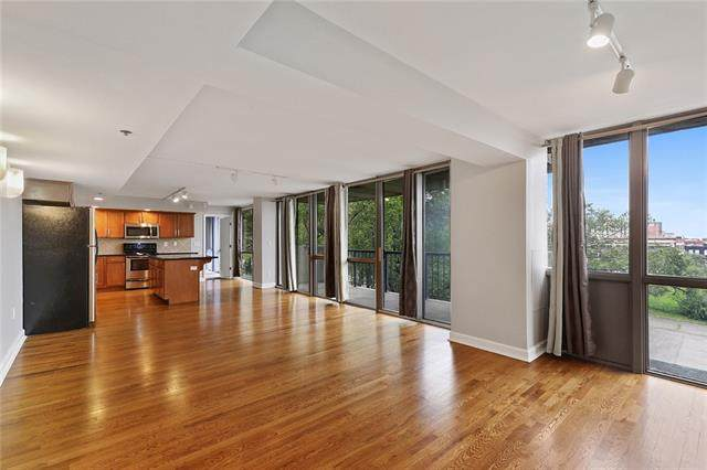 600 E Admiral Boulevard #605, Kansas City, MO 64106 (#2324127) :: Eric Craig Real Estate Team