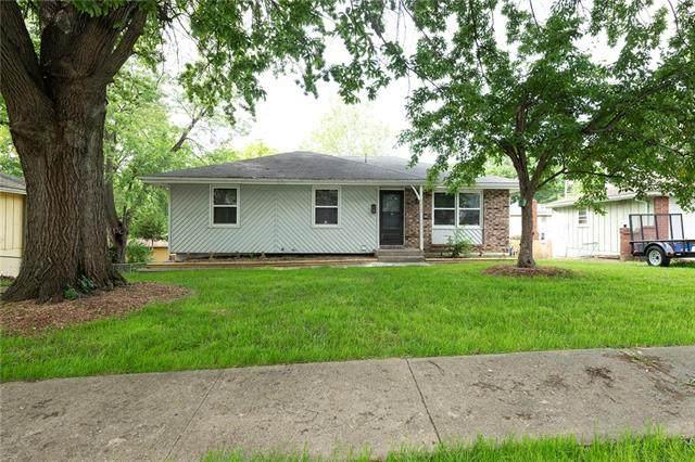 8212 E 104th Street, Kansas City, MO 64134 (#2324219) :: Austin Home Team