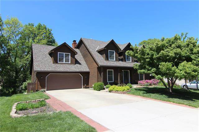 12204 W 73rd Terrace, Shawnee, KS 66216 (#2324230) :: Team Real Estate