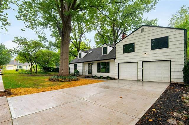 7486 Village Drive, Prairie Village, KS 66208 (#2324268) :: Ron Henderson & Associates