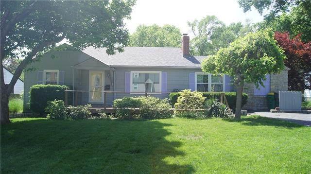 7118 Dearborn Street, Overland Park, KS 66204 (#2324317) :: Dani Beyer Real Estate