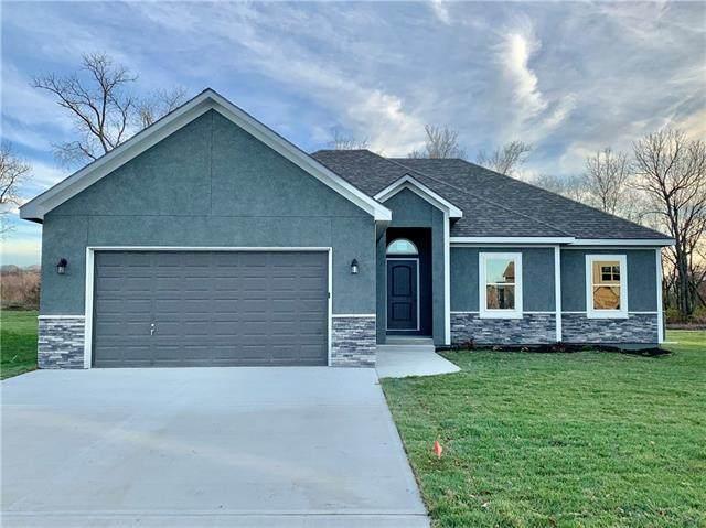 1100 Magnolia Circle, Oak Grove, MO 64075 (#2324395) :: Five-Star Homes