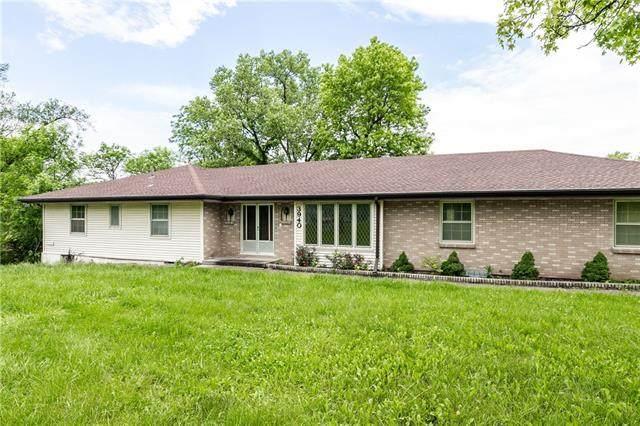 3940 E Red Bridge Road, Kansas City, MO 64137 (#2324541) :: Team Real Estate