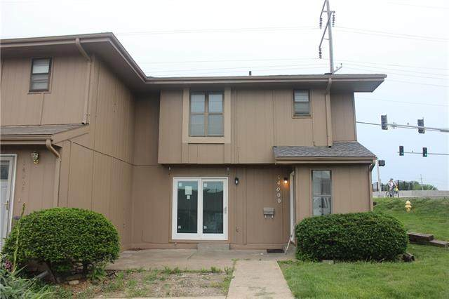 14000 Dunbar Court, Grandview, MO 64030 (#2324542) :: Ask Cathy Marketing Group, LLC