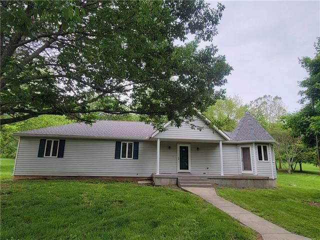 8670 Oak Ridge Drive, Odessa, MO 64076 (#2324563) :: Dani Beyer Real Estate