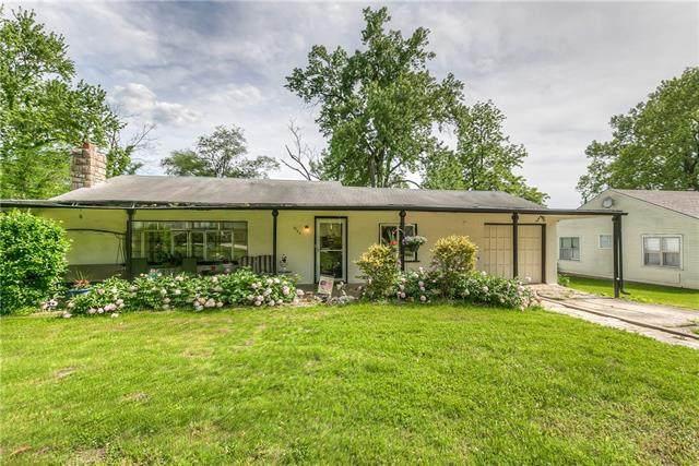 7223 Parkview Avenue, Kansas City, KS 66109 (#2324575) :: Five-Star Homes