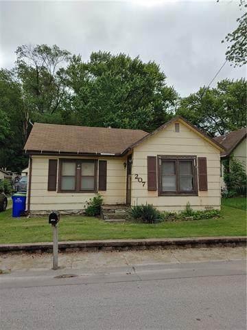 207 N 4th Street, Edwardsville, KS 66111 (#2324585) :: Edie Waters Network