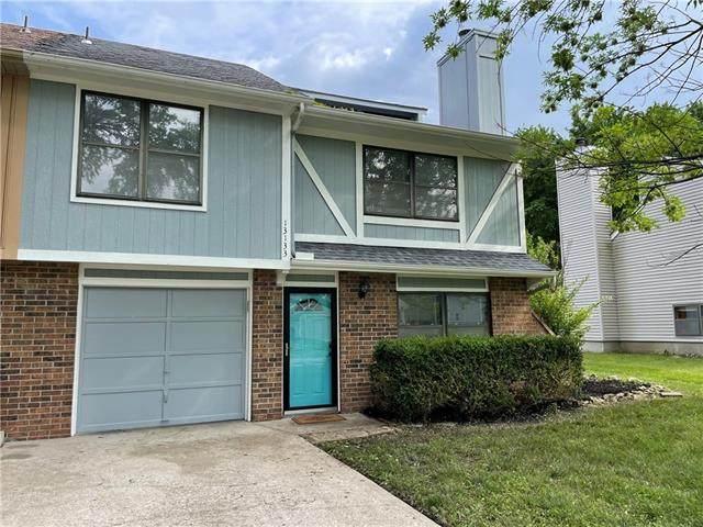 13133 S Brougham Drive, Olathe, KS 66062 (#2324628) :: Five-Star Homes