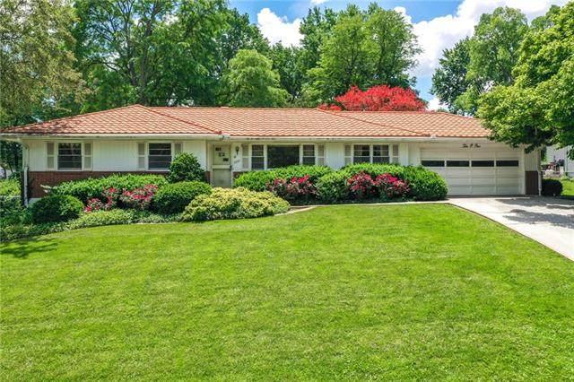 1001 W 93rd Terrace, Kansas City, MO 64114 (MLS #2324714) :: Stone & Story Real Estate Group