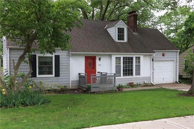 7132 Cherokee Drive, Prairie Village, KS 66208 (#2324733) :: The Rucker Group
