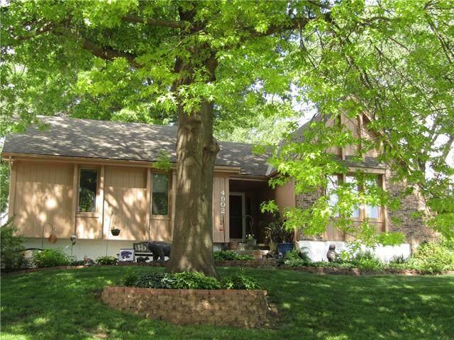 4902 Halsey Street, Shawnee, KS 66216 (#2324735) :: Audra Heller and Associates