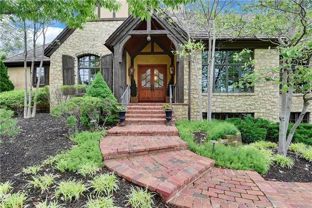 11208 Delmar Street, Leawood, KS 66211 (#2324754) :: Austin Home Team