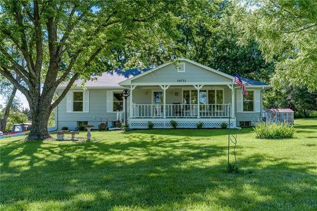 19711 199th Street, Tonganoxie, KS 66086 (#2324813) :: Team Real Estate