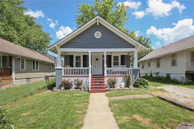 208 W 77th Terrace, Kansas City, MO 64114 (#2324858) :: Five-Star Homes