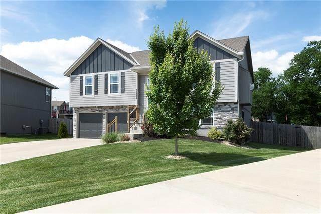 10008 E 212 Street, Peculiar, MO 64078 (#2324926) :: Five-Star Homes