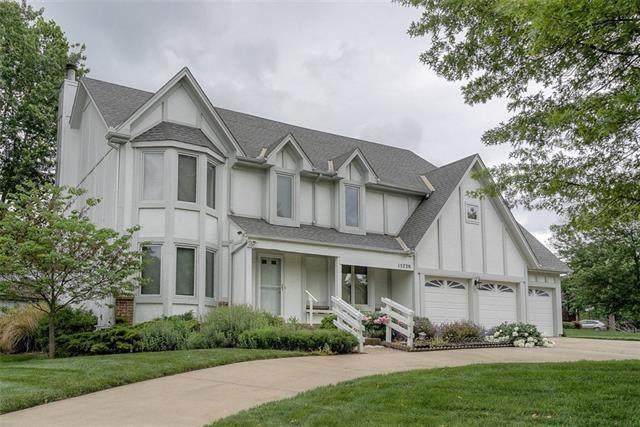 15720 W 85th Street, Lenexa, KS 66219 (#2324940) :: Dani Beyer Real Estate