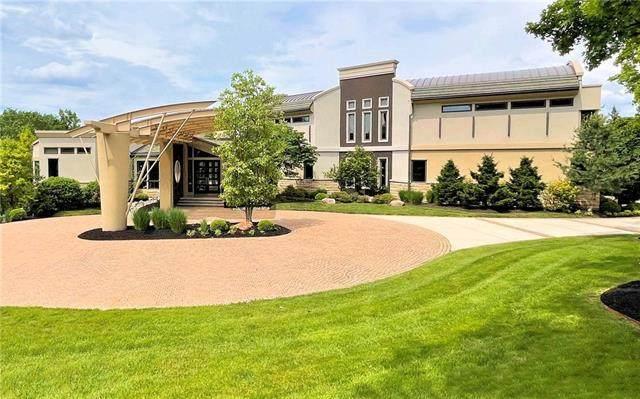2700 W 112 Street, Leawood, KS 66211 (#2324966) :: Dani Beyer Real Estate