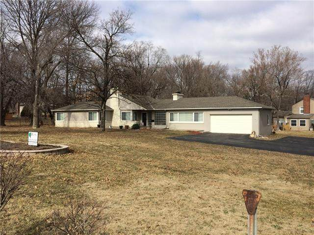 3130 NE Vivion Road, Kansas City, MO 64117 (#2325148) :: Edie Waters Network