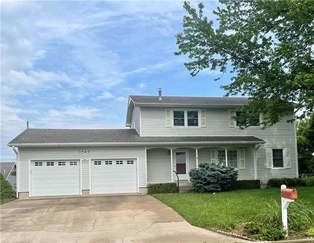 1743 S Ash Street, Ottawa, KS 66067 (#2325173) :: Tradition Home Group | Better Homes and Gardens Kansas City