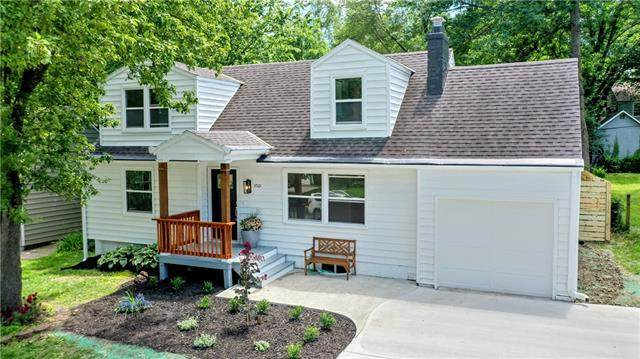 4501 W 70th Street, Prairie Village, KS 66208 (#2325211) :: The Shannon Lyon Group - ReeceNichols