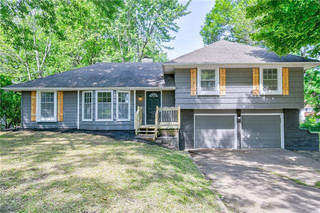 13008 Corrington Avenue, Grandview, MO 64030 (#2325283) :: ReeceNichols Realtors