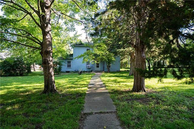 1131 W 7th Street, Ottawa, KS 66067 (#2325403) :: Tradition Home Group | Better Homes and Gardens Kansas City