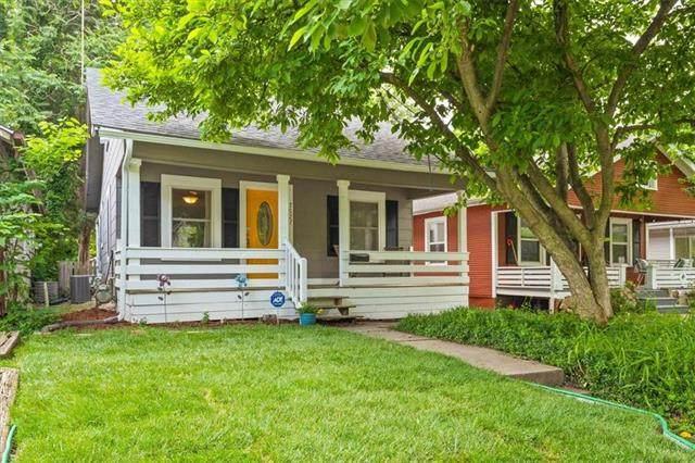 7527 Jefferson Street, Kansas City, MO 64114 (#2325431) :: ReeceNichols Realtors