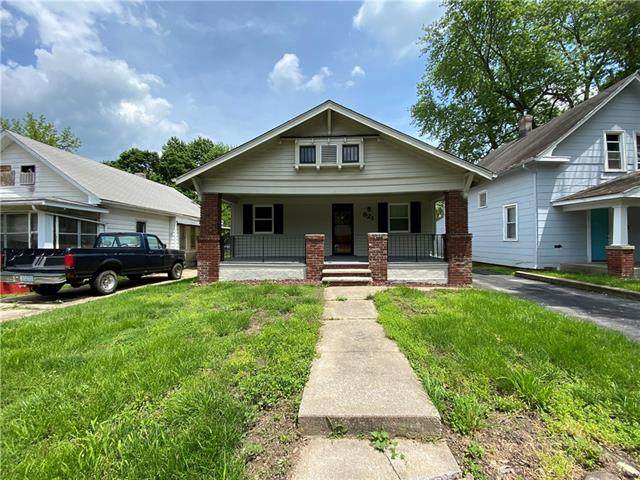 821 S Ash Avenue, Independence, MO 64053 (#2325476) :: Ron Henderson & Associates