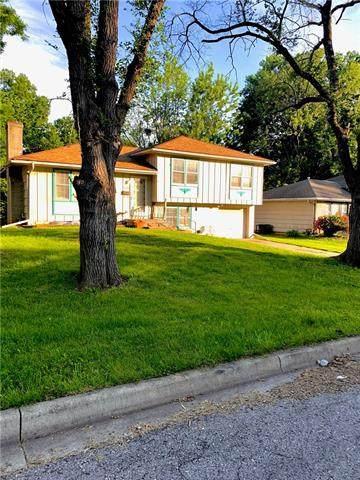 9311 Fairwood Drive, Kansas City, MO 64138 (#2325552) :: Ask Cathy Marketing Group, LLC